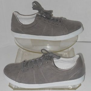 OLD NAVY COURT GRAY SUEDE SNEAKERS SIZE 11 MEDIUM